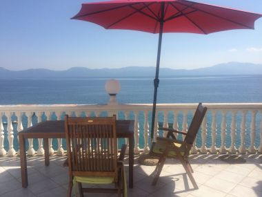 Apartmaji Inga - right at the beach: A1(2+3) Brist - Riviera Makarska