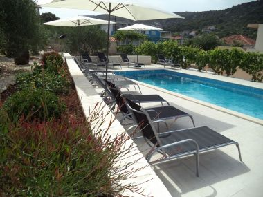 Apartmaji Mario - apartment with pool: A1(6+2) Marina - Riviera Trogir